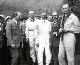 Ettore Bugatti, sir Henry Segrave, André Morel, Louis Delage y Meo Costantini